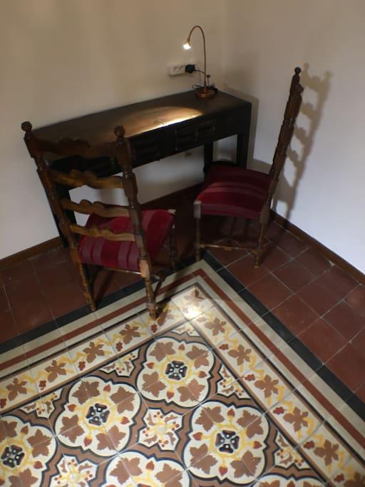 Tavolino camera da letto