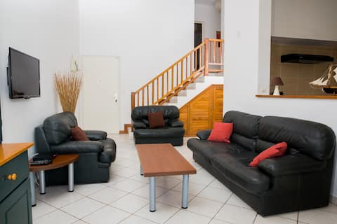 Duplex meublé, équipé - Ambatobe