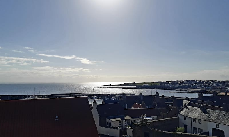 WINTER DISCOUNT!!!  Anstruther Harbour View