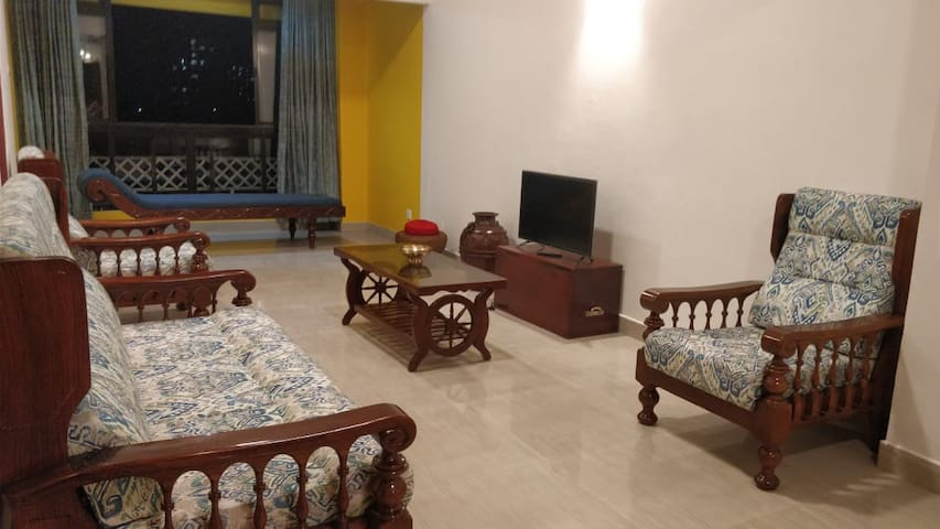 Double BHK Fully Furnished Apartment, Marine Drive