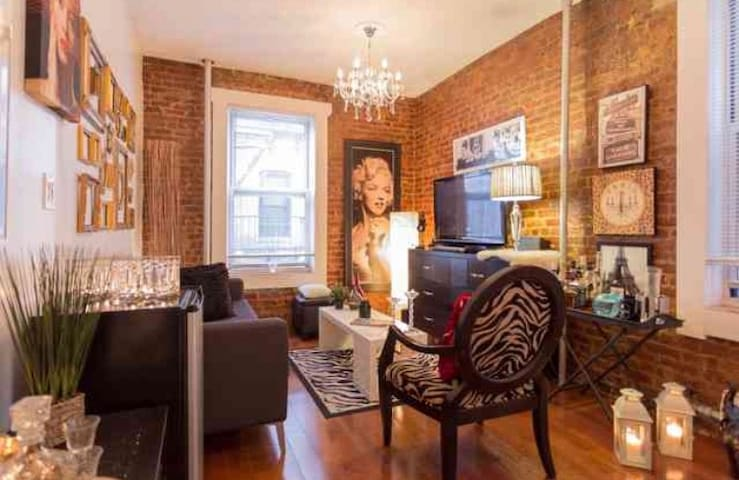 1 bed in Chic Apt in Astoria NYC