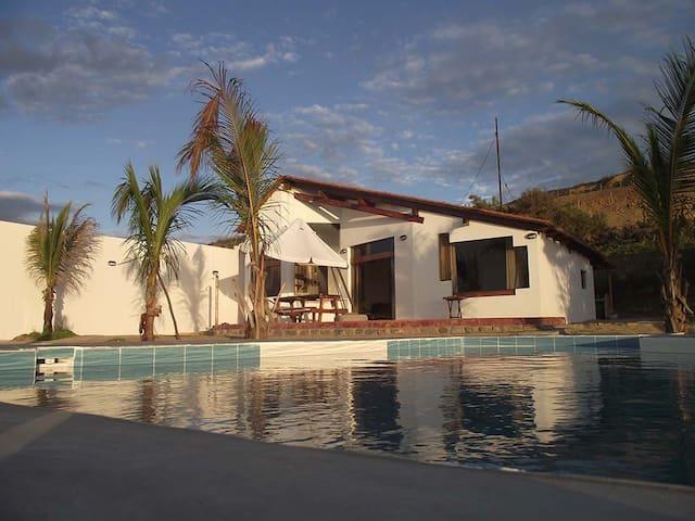 Alquilo Bella casa de Playa Canoas de Punta Sal - Punta Sal - Talo