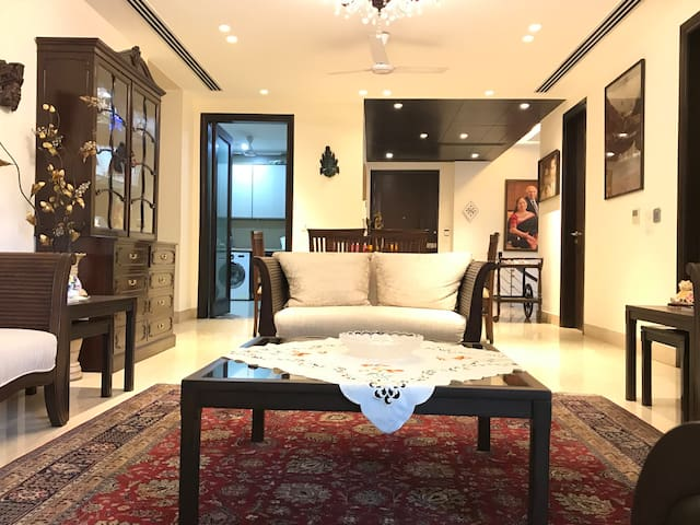 Luxurious Modern Apt and best Location 2 bed 2bath