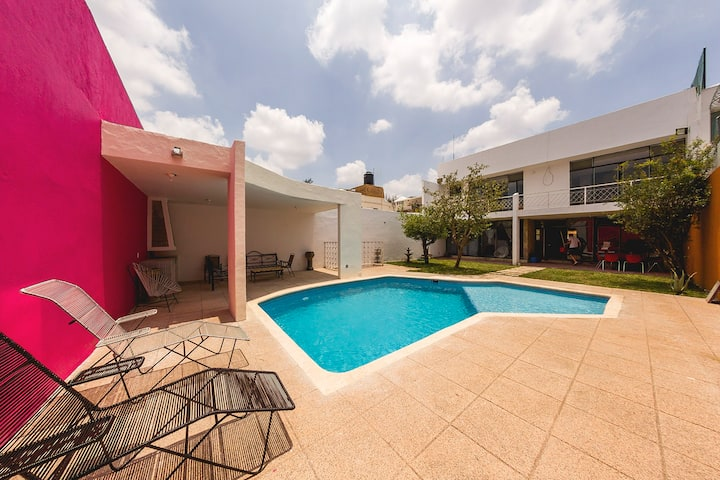 Room in house with Swimming Pool- Providencia
