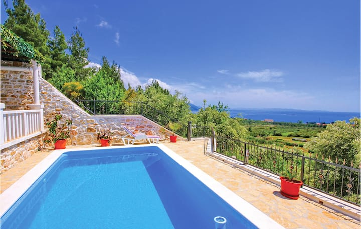 Awesome home in Orebic with 3 Bedrooms