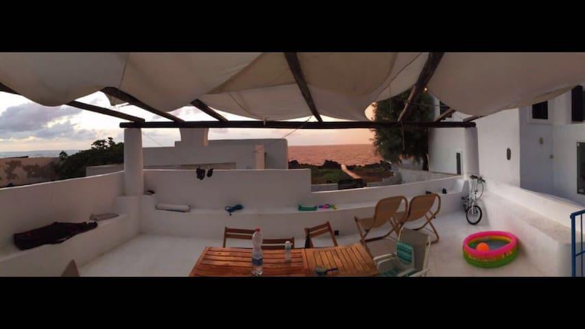 Casa Marta: graziosa casetta con terrazza sul mare