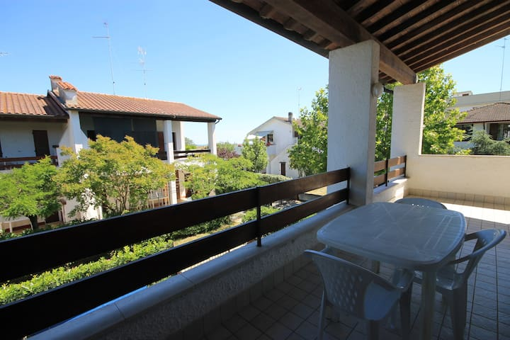 Detached house 100 meters from the beach