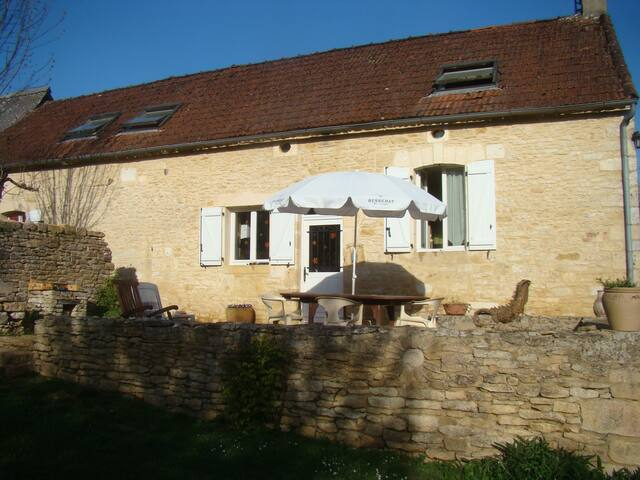Airbnb Saint Amand De Coly Vacation Rentals Places To