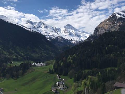 Appartement avec vue sur les montagnes