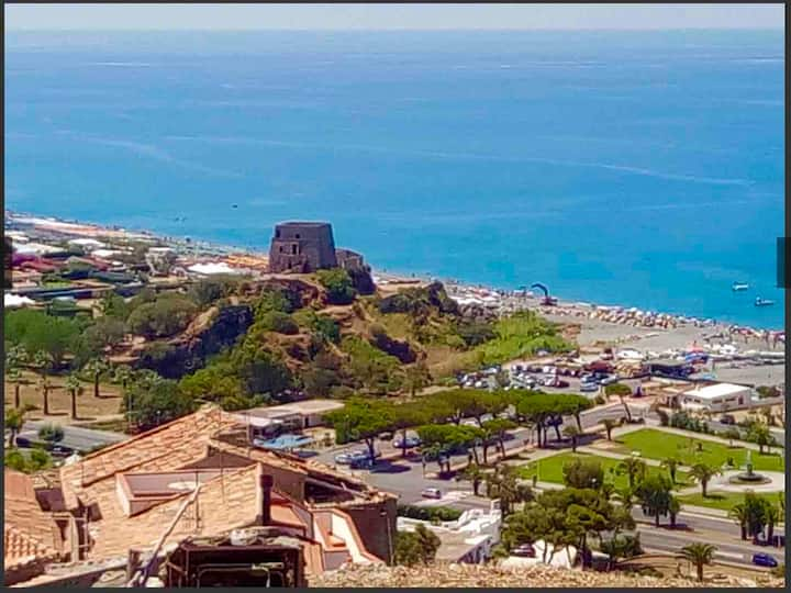 Villa Guglielmo Scalea best views all day/night !