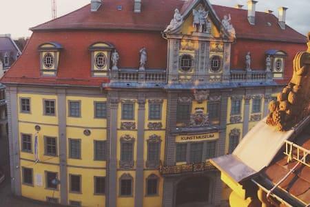 schicke Wohnung über den Dächern Erfurts Altstadt - Apartment