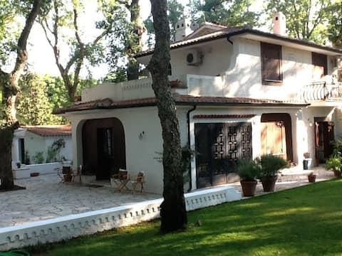 Sabaudia, Baia d'Argento Villa
