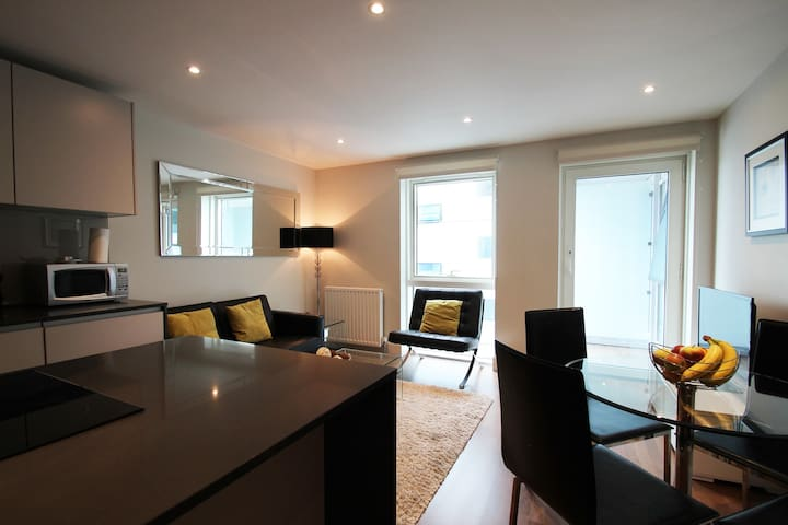Commercial St Studio Serviced Apartment