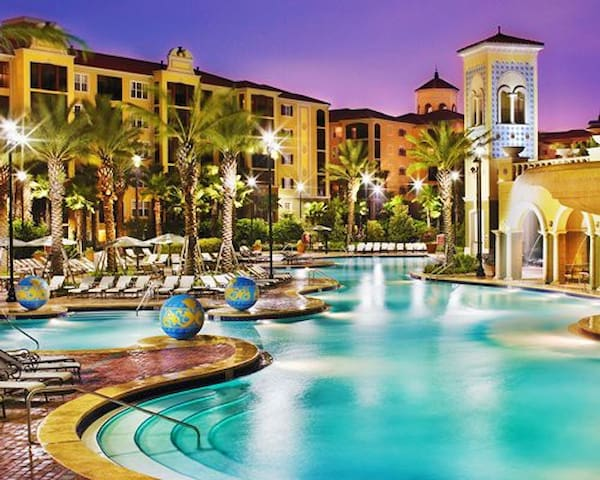 Hilton Grand Vacations at Tuscany Village JULY 4th