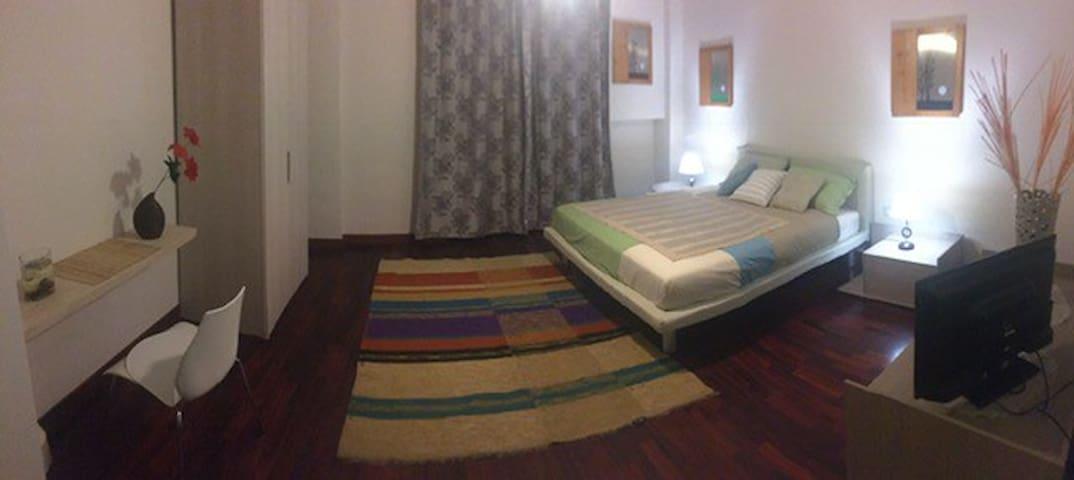 GioviAle rooms B&B @ Portici,Via Libertà 299