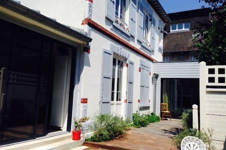 Maison proche centre et mer - Houlgate