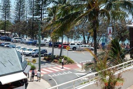 Sandcastles 102 on Mooloolaba unbeatable position. - Mooloolaba - Apartment