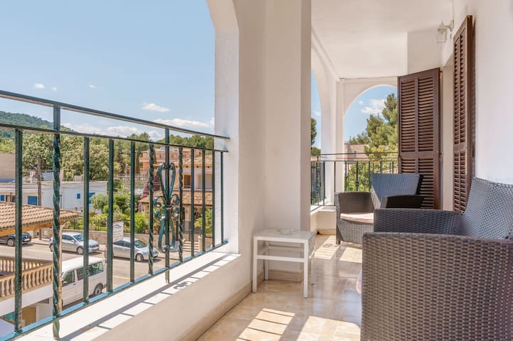 Charming Holiday Apartment La Cabanya with 1 Bedroom, Wi-Fi, Balcony, Terrace & Shared Pool; Street Parking Available