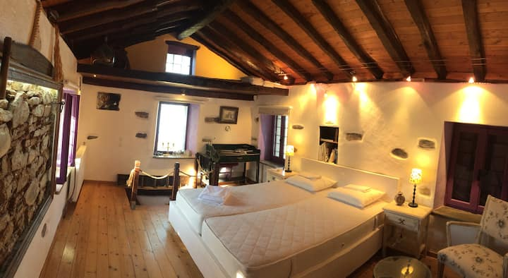 country cottage at pilio mountain