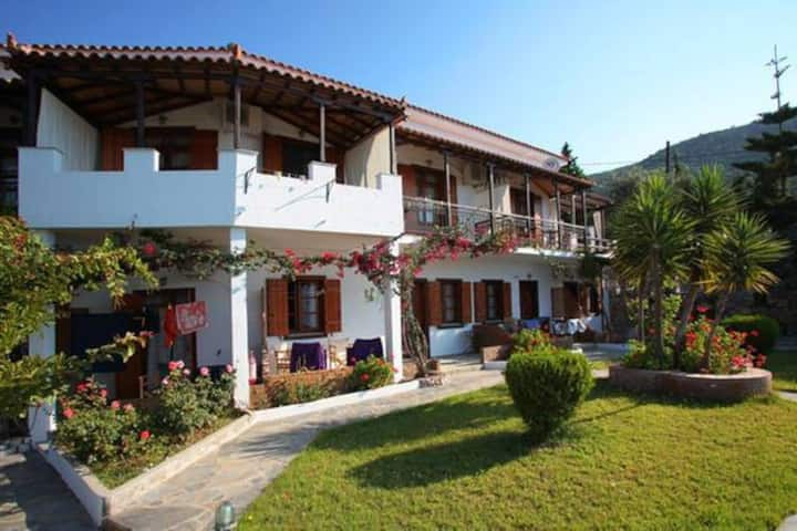 Beautiful sea sight,cozy maisonette-Irida