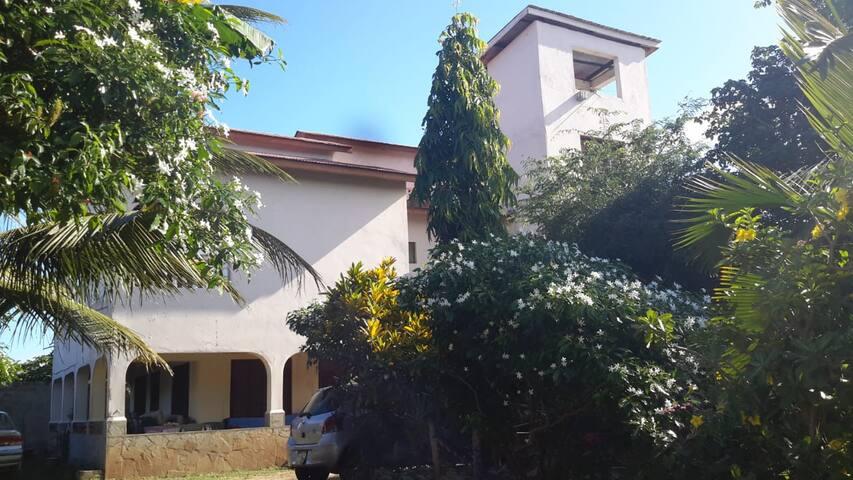 Sun Moon House - Apartment One