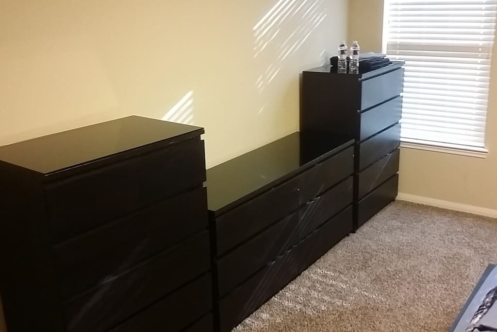 Chest Drawers with tempered glass