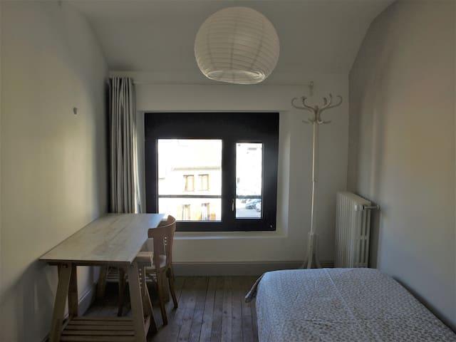 Belle chambre indépendante en centre ville, 10 m².