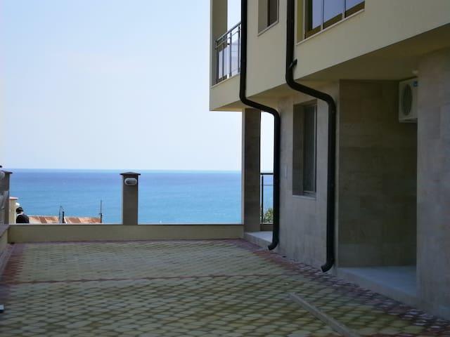 Квартира с видом на море - первая линия - Byala - Apartemen