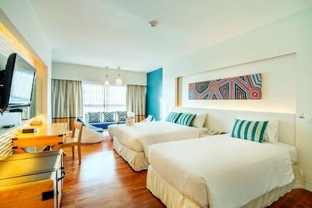 Fabulous beach side resort & majestic Sea view - Muang Pattaya
