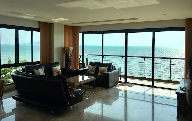 3BR 140sqm Beachfront Chauffeur Car Pool Sea View - Pattaya