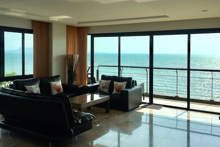 3BR 140sqm Beachfront Chauffeur Car Pool Sea View - Pattaya - Apartment