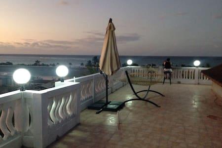 Ocean View Unit - Sleeps 12-14 - Sandy Bay
