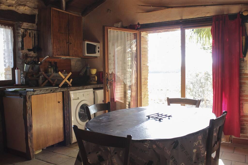 Vue intérieure sur la cuisine