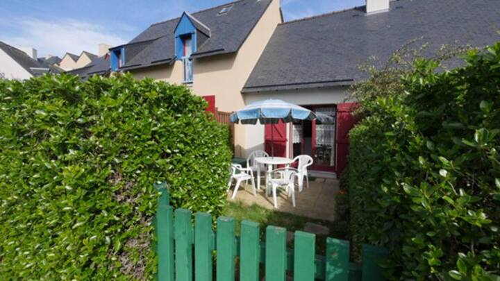 Saint-Malo Rothéneuf - petite maison avec jardin