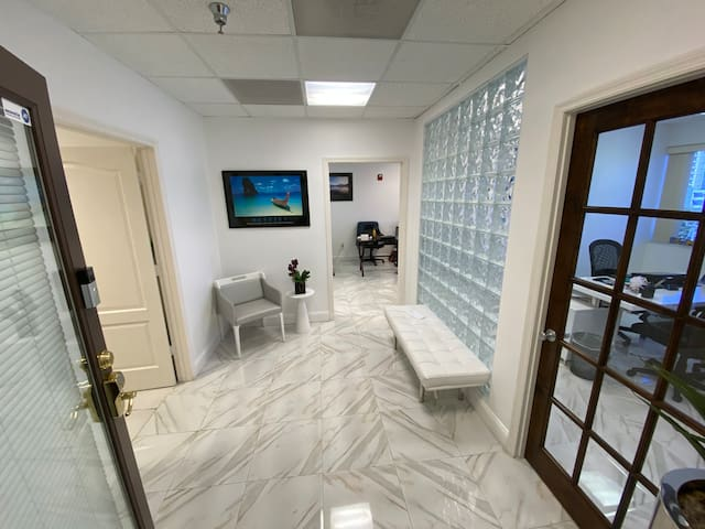 Commercial Office Unit 509 Bay Harbor Islands