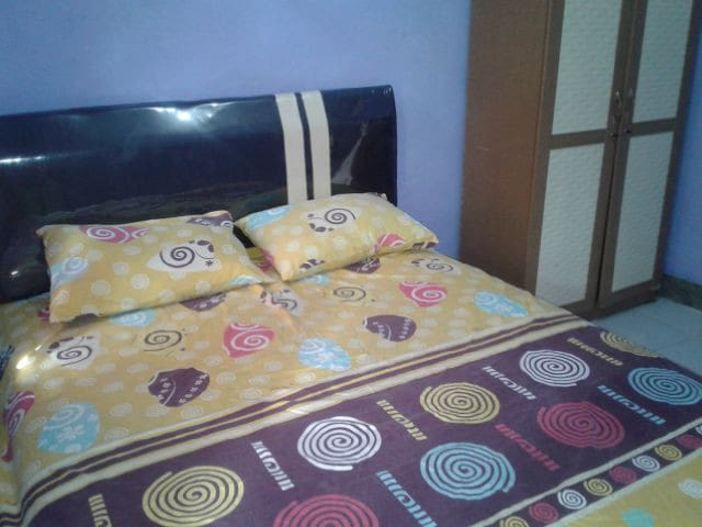 Room 1 ( Queen size bed )