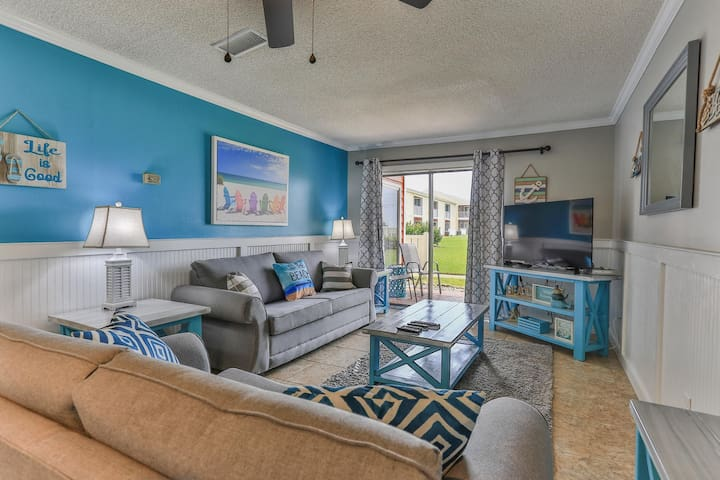 Tradewinds 20, BEACHFRONT, great location, 1BR/1BA