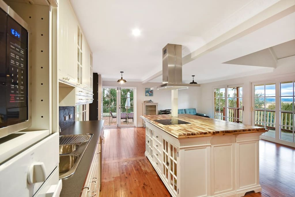 New kitchen off huge entertaining deck and MAGNIFICENT views over Mudgee.