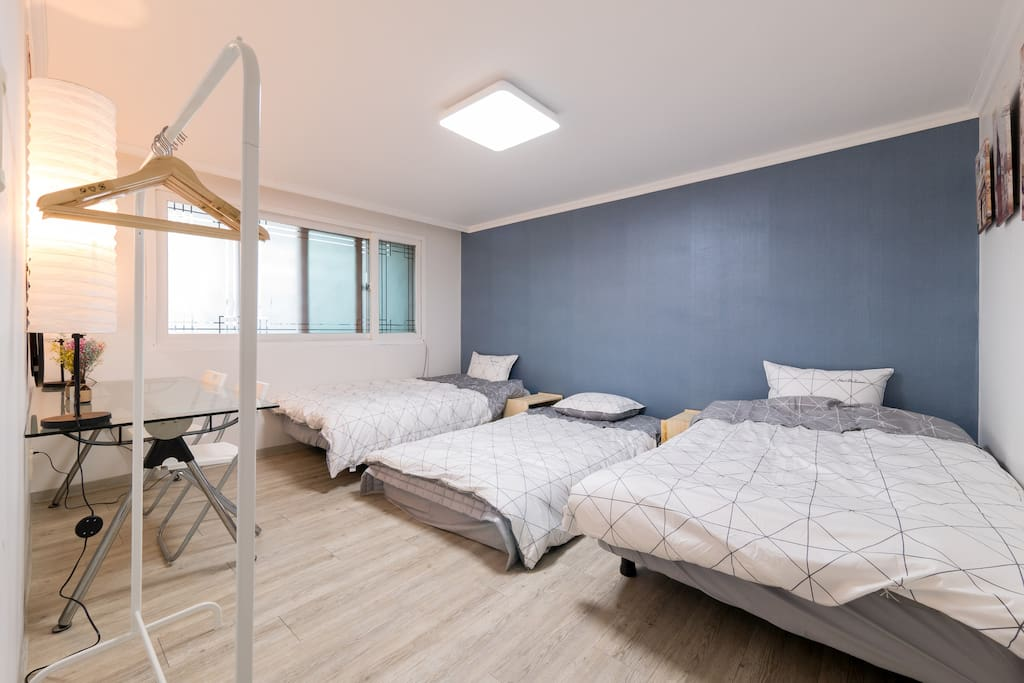 Room 1. 3Bed. comfortable room