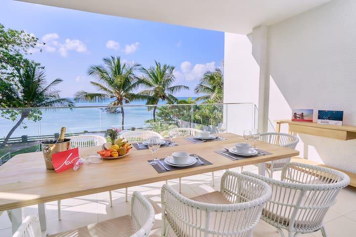 Les Estivales Beachfront Suite by LOV