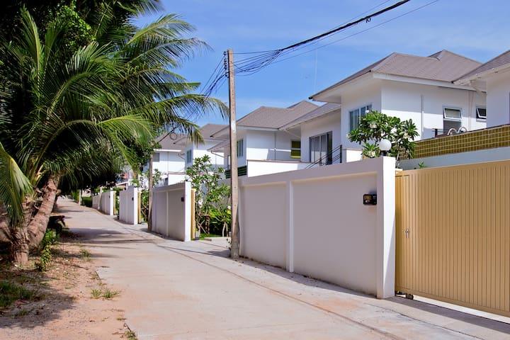 Private modern villa (Clarity - C2)