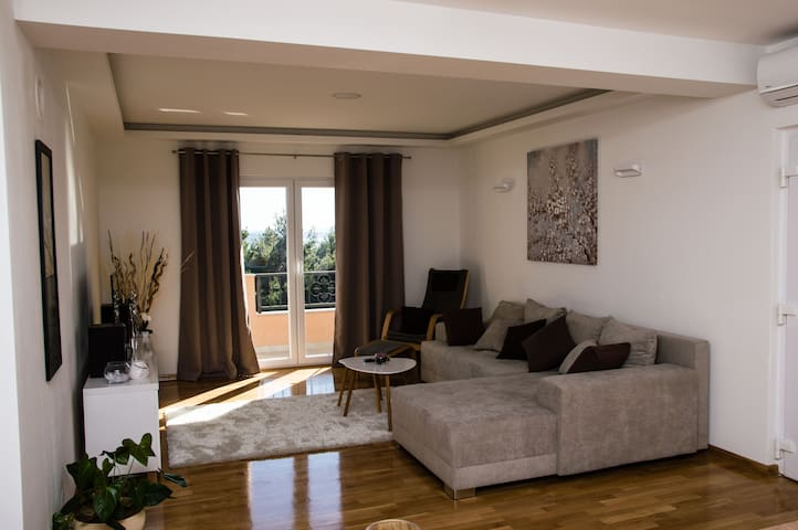 Luxury Spacious Apartment in Nature- Mileni - Kaštel Gomilica