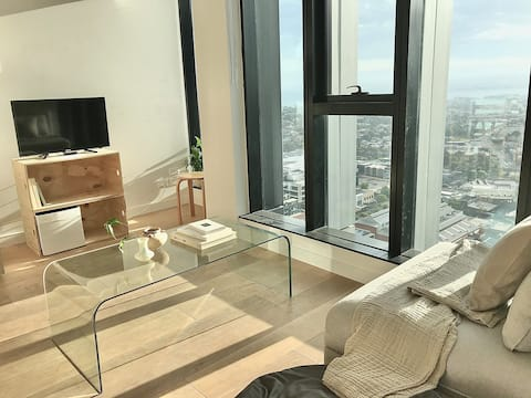 NEW Penthouse with Bay Views — 1 Bedroom