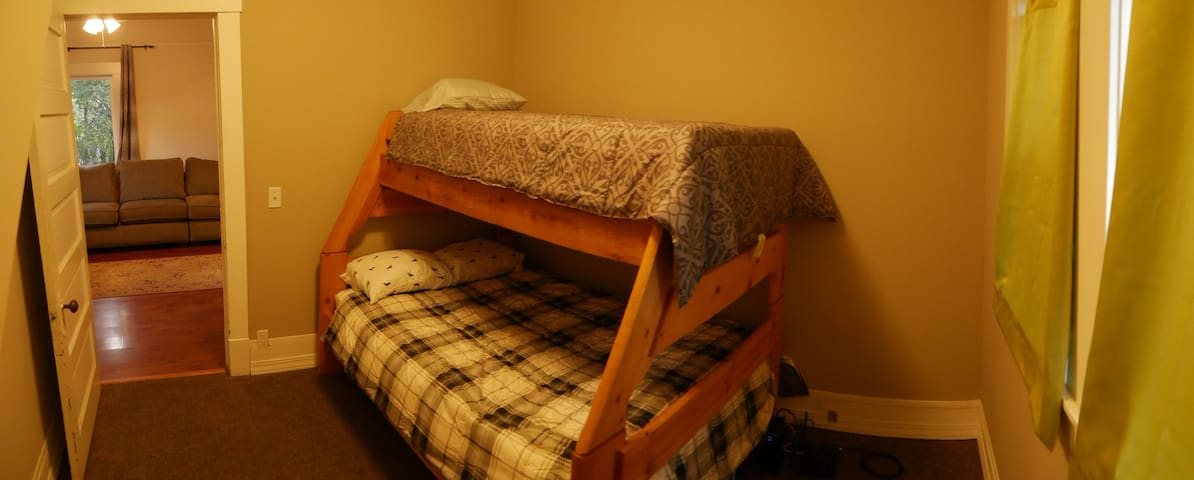 Bedroom 2, full and twin bed