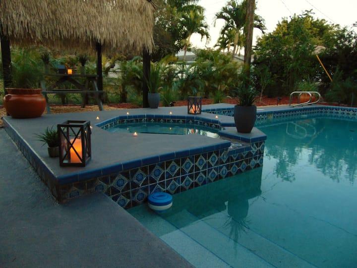 Beach Cottage! Pool,Spa,Cabana, Walk/bike to beach