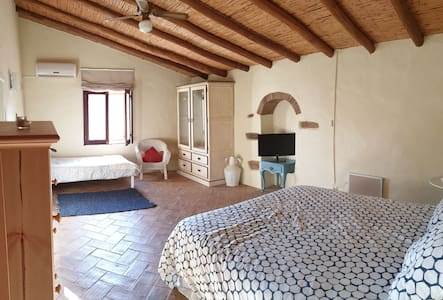 Lemontree , a country house 15m to the beach
