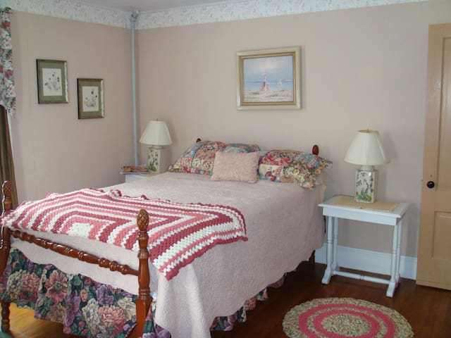 Parks Edge Inn Suite 2 Millinocket