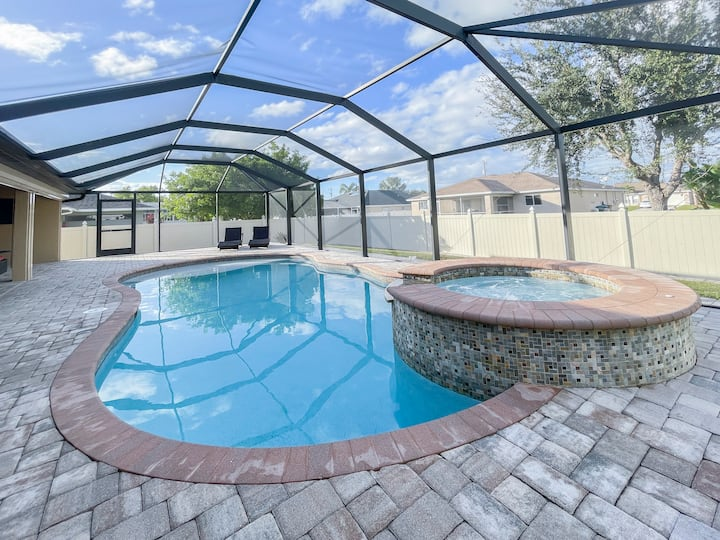 Serene 3 Bed Home with Pool, Spa, and Outdoor TV