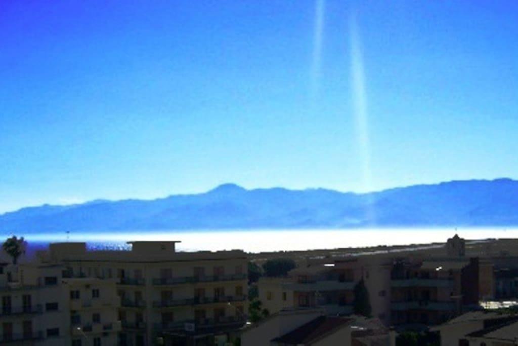 Panorama mare-monti