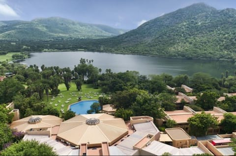 SUN CITY Vacation Club & Game Reserve